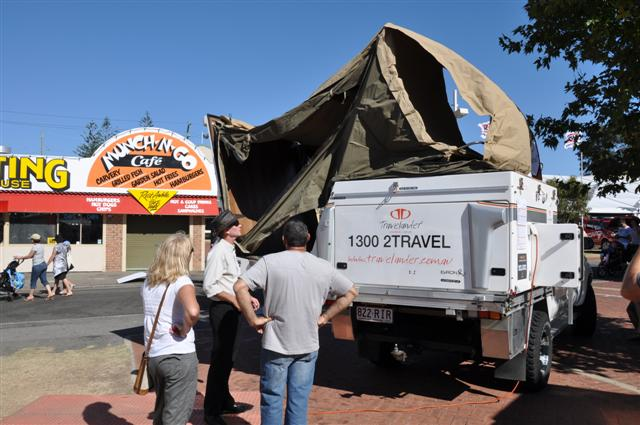 Travelander automatic tent