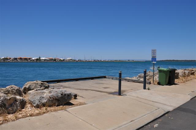 Fishing platforms at Mandurah Cut