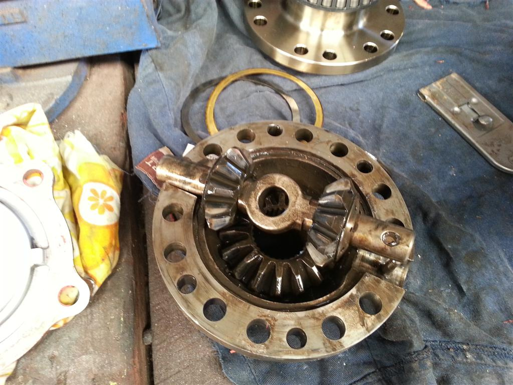 80 Series Land Cruiser center differential