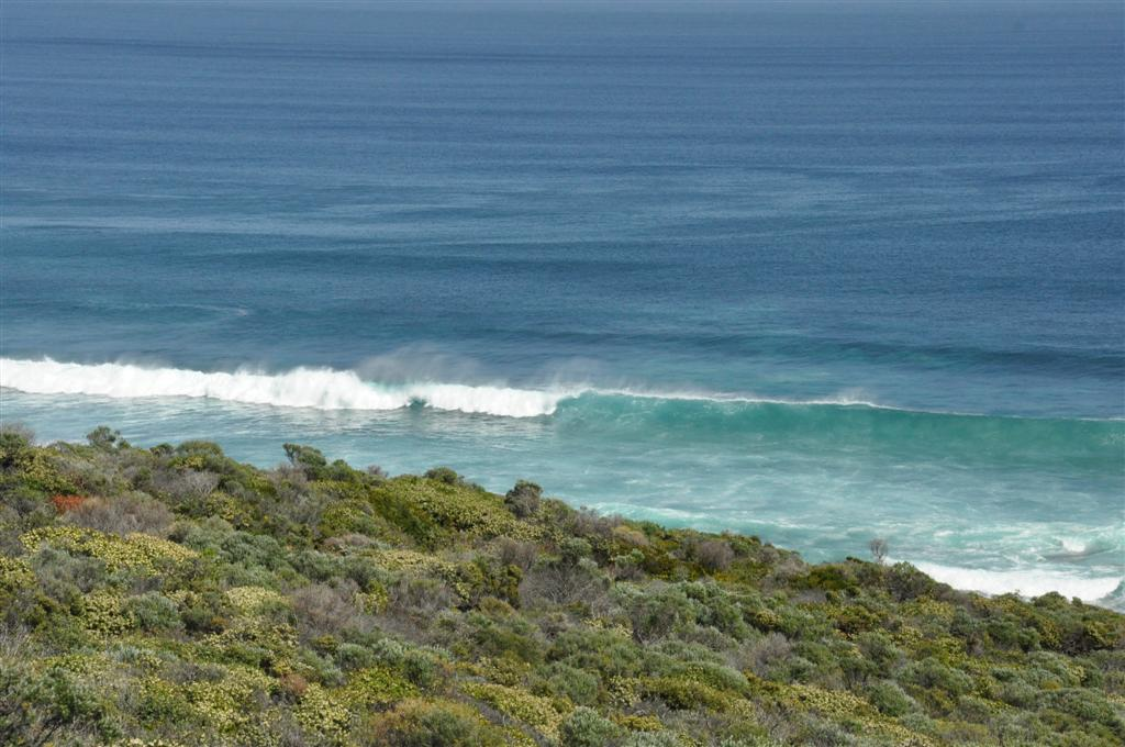 Huge surf in Yallingup