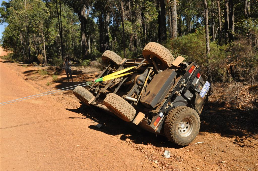 4WD Vehicle roll over