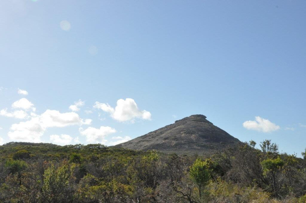 Esperance Mountain