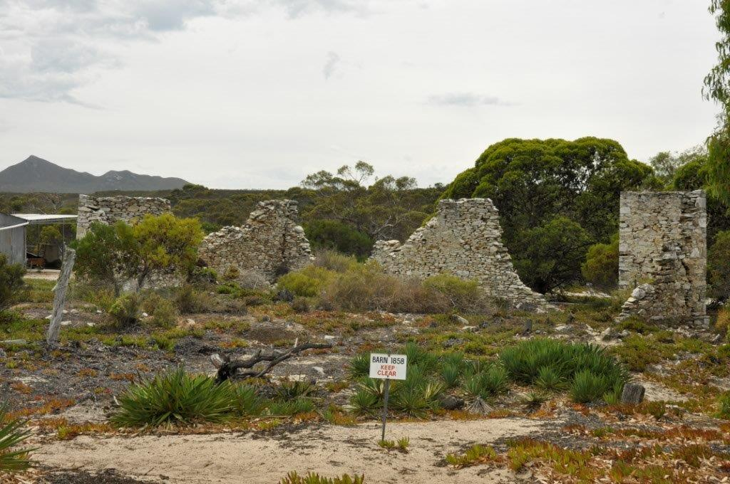 Ruins at Quaalup