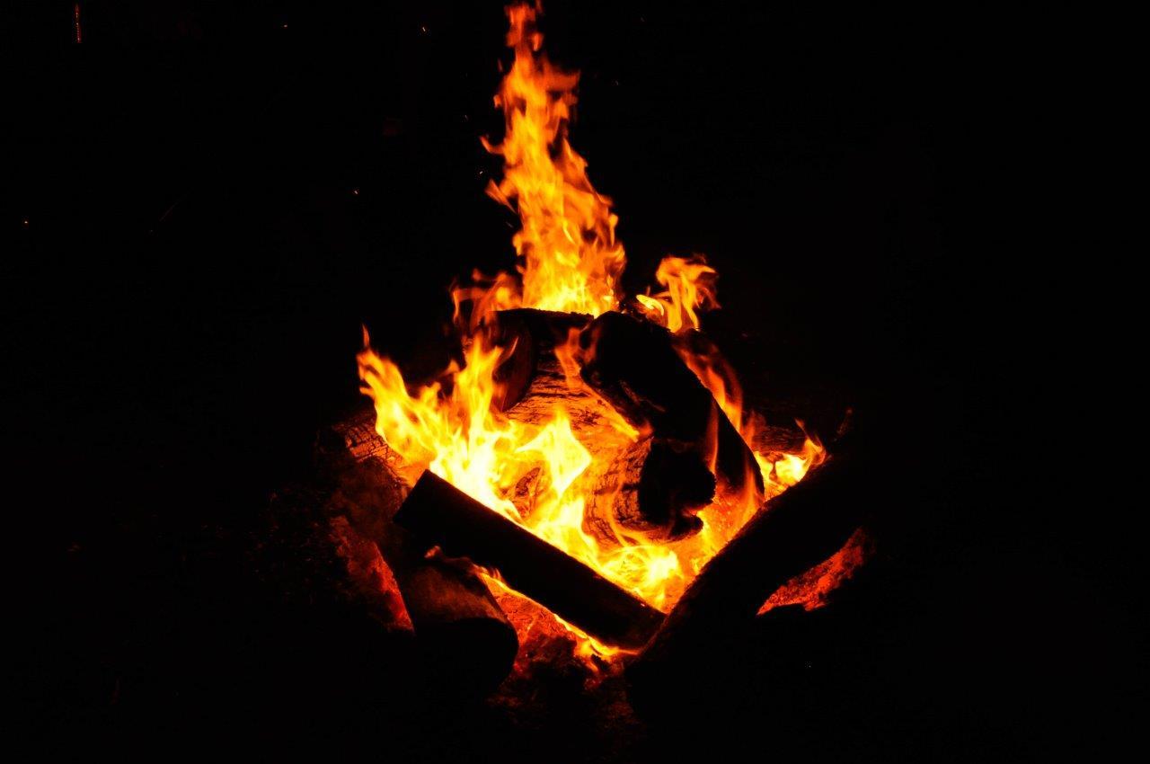 A Ripper Camp Fire