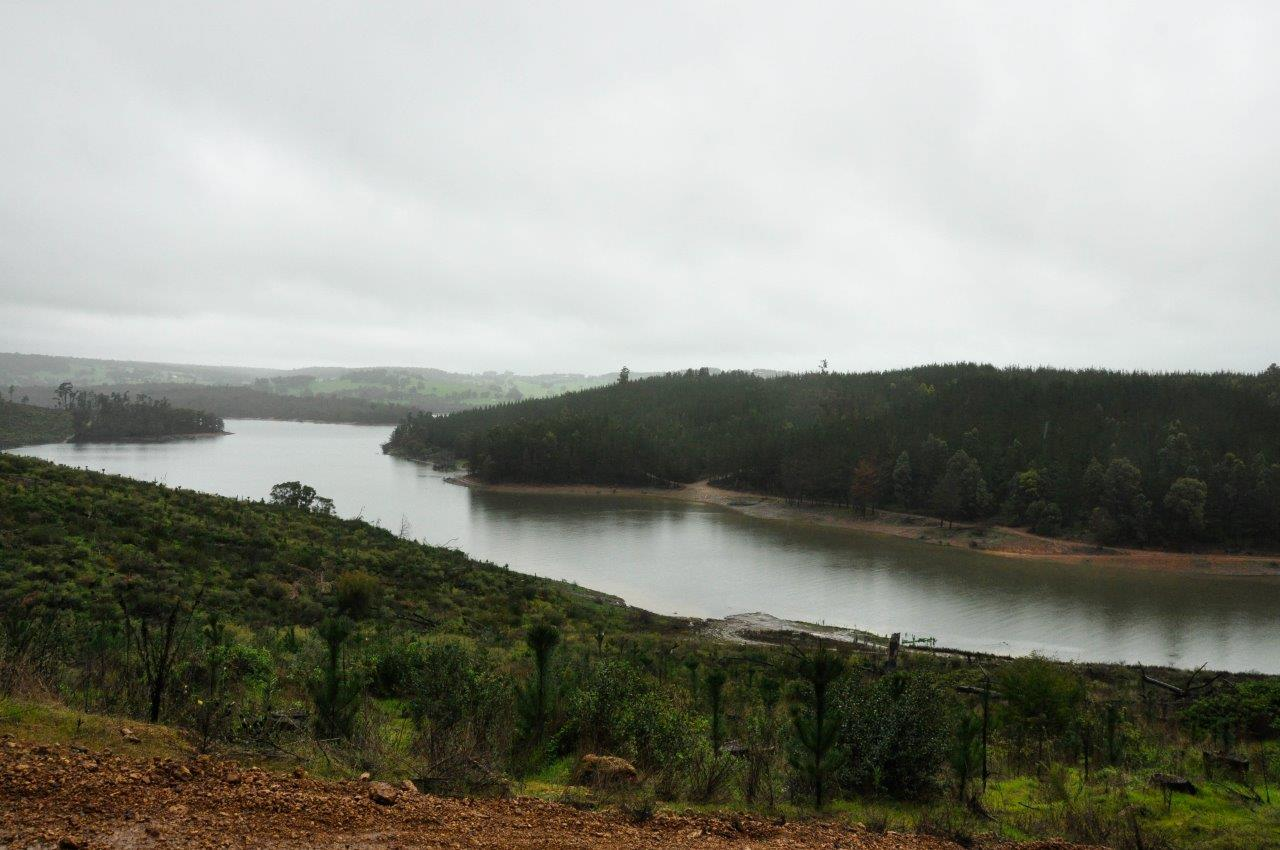 Harvey Dam by 4wd