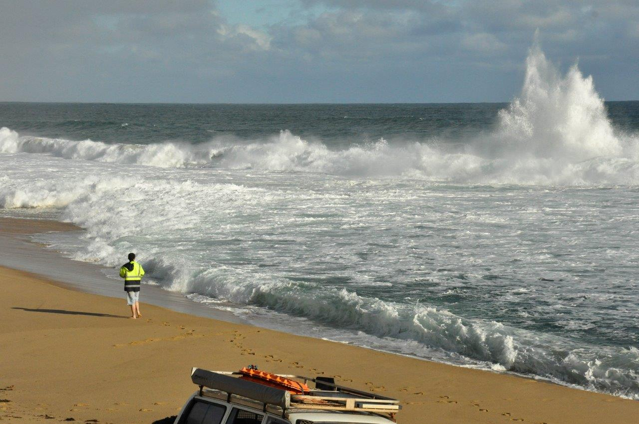 Huge Swell at the Beach in Milyeannup