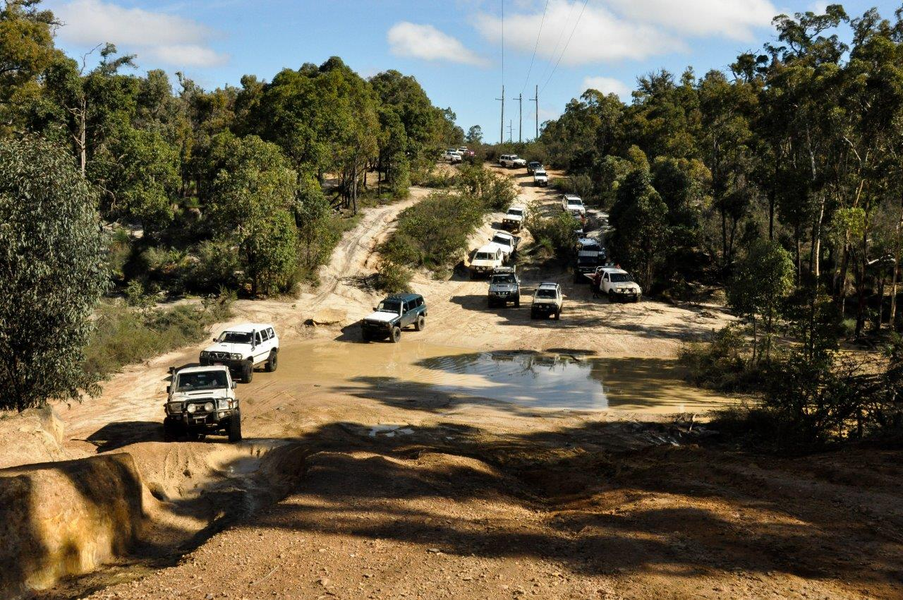 Lots of Cars at Mundaring 4WD Track