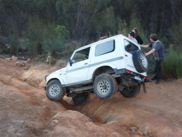 Suzuki Sierra almost rolling