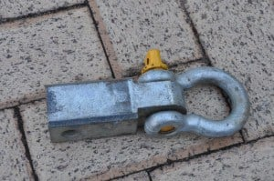 Rear recovery hitch