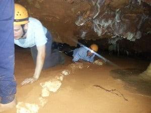 Ngilgi Cave crawling