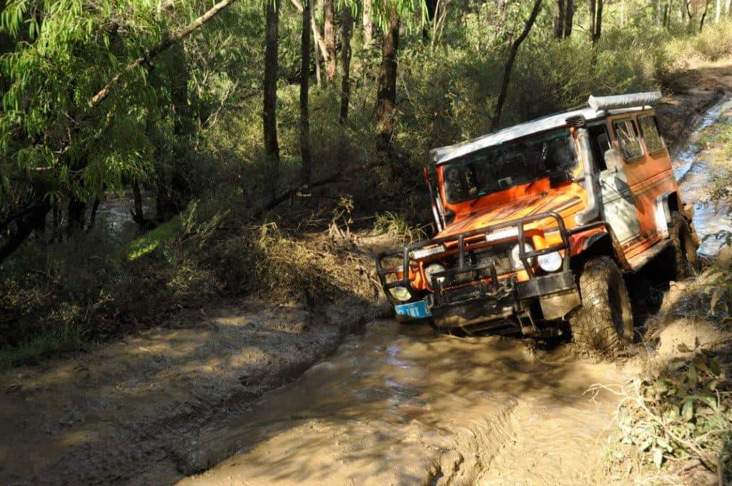 40 series troopy in mud