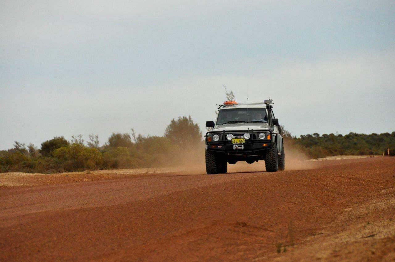 4WDing Australia Gravel Road