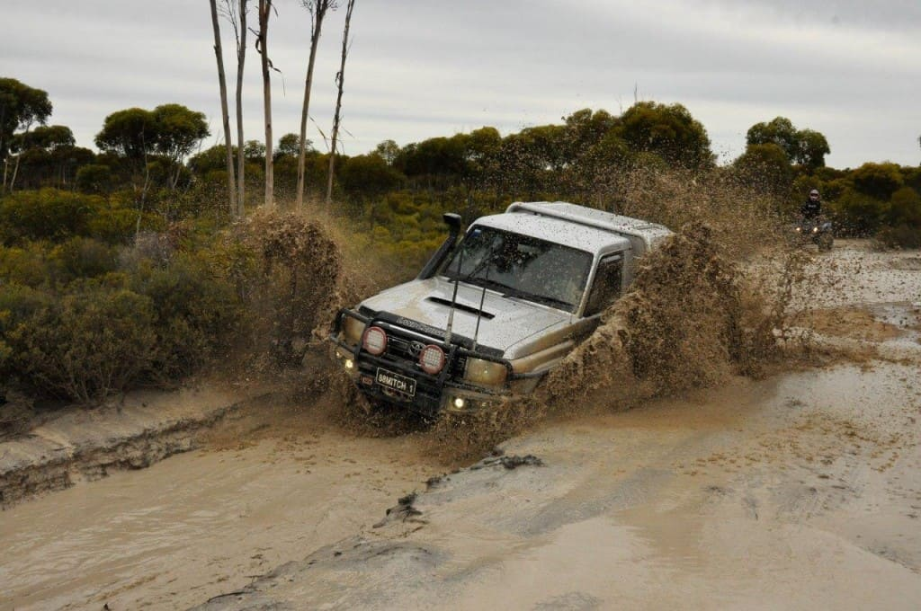 V8 cruiser mud splash