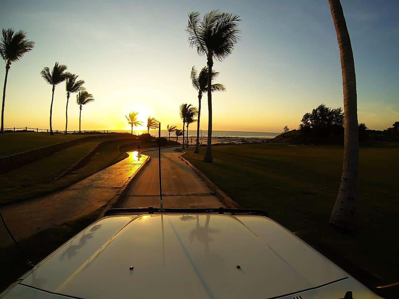 Driving onto Cable Beach