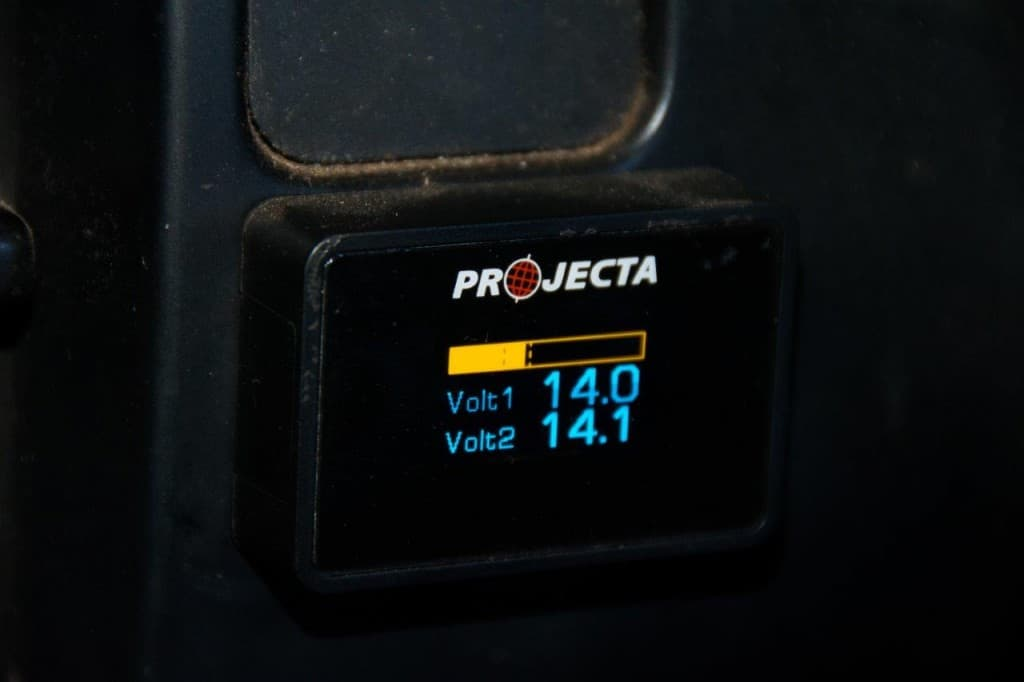 Projecta Dual Battery monitor