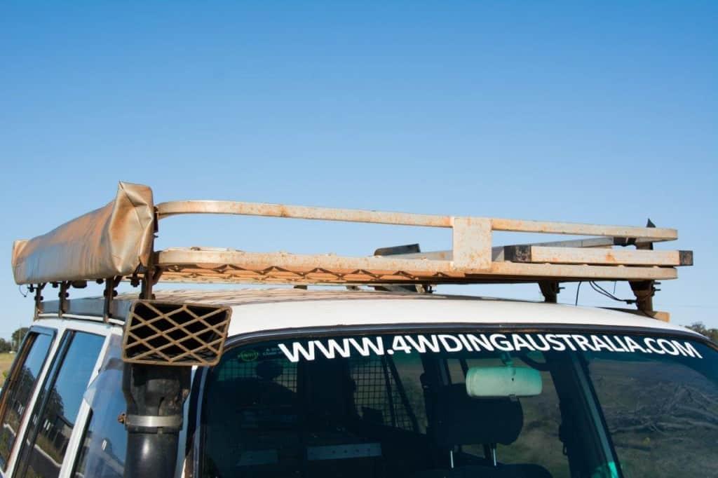 Full length aluminium roof rack