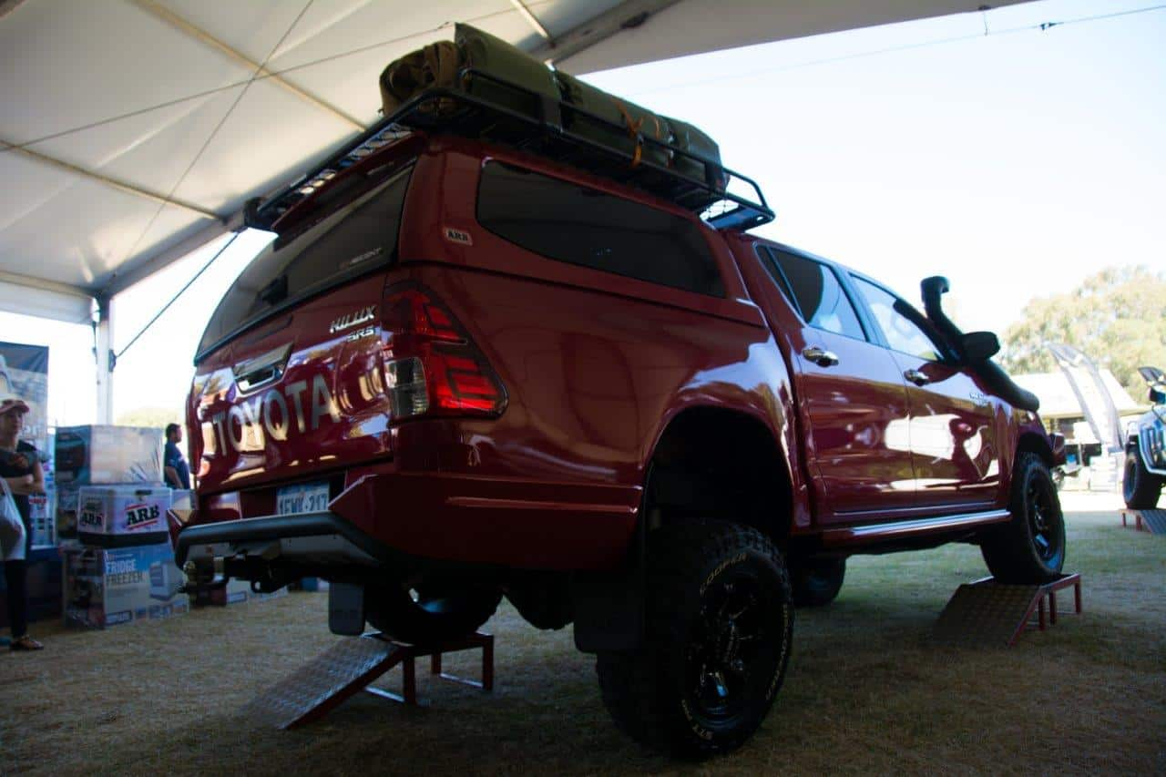 2-8-hilux-at-arb