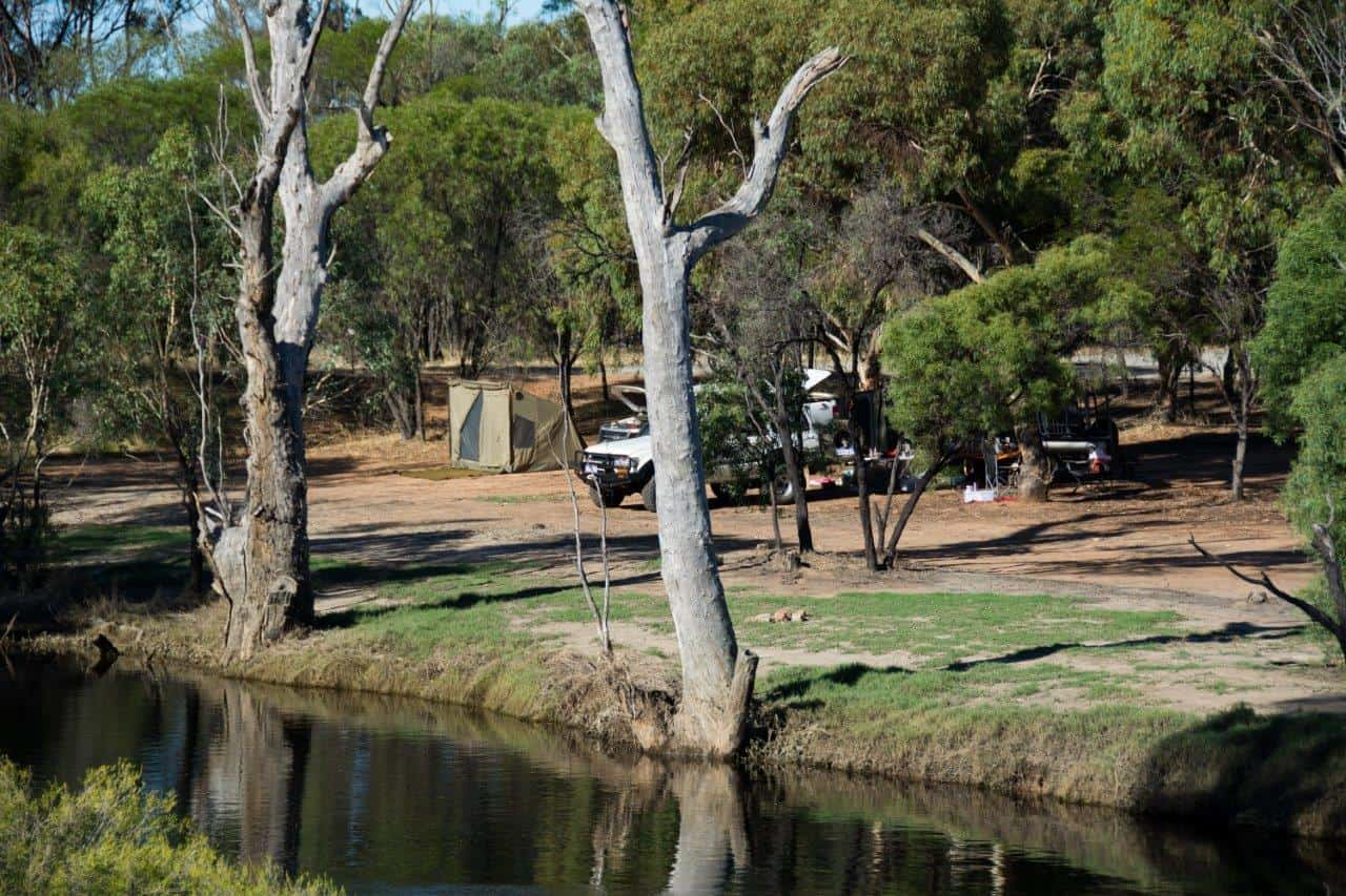 Camping along the Hotham River