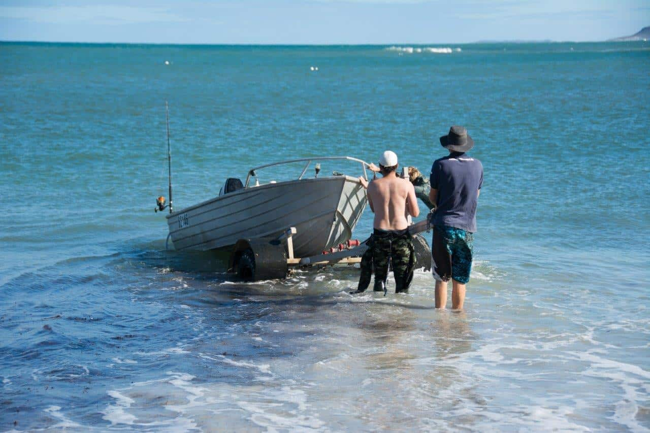 4WD boat trailer launching