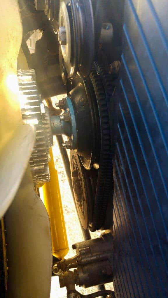 80 Series Land Cruiser fan belts turning upside down