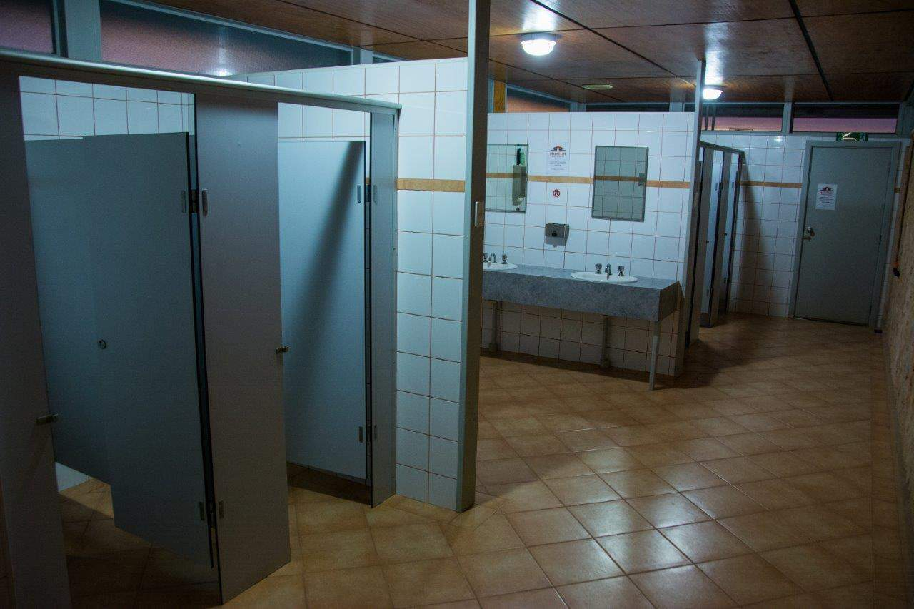 Toilets and showers at Hamelin Station