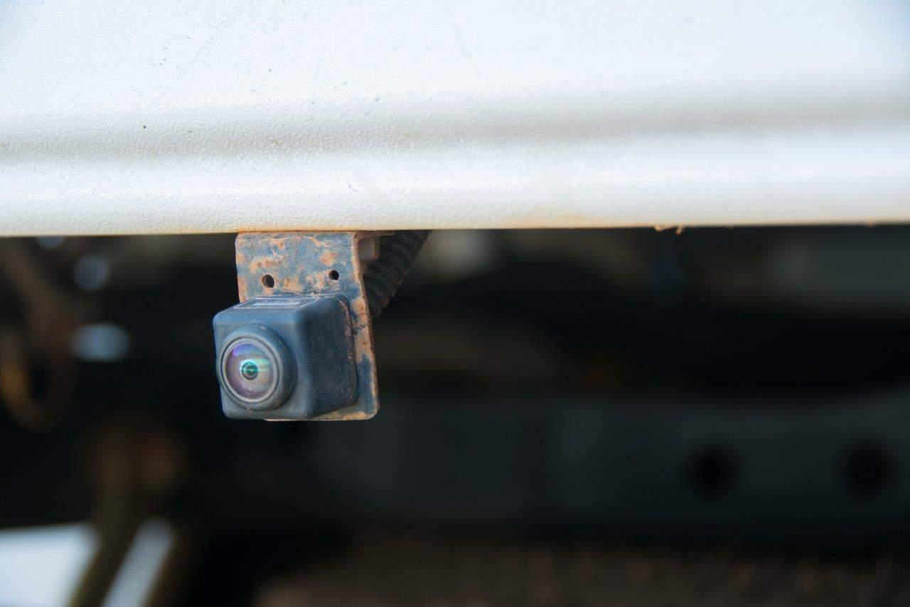 Dmax reverse camera