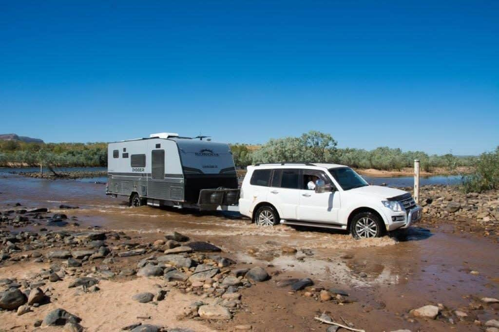 Towing a caravan or camper on the Gibb