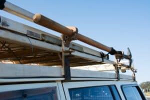 Shovel mount on roof racks
