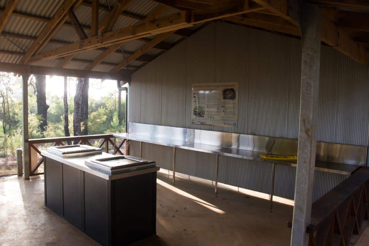 Potters Gorge kitchen
